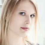 Portrait - Model vor Fenster