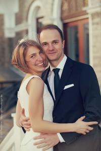Winterhochzeit: Brautpaar auf der Steinburg Wuerzburg