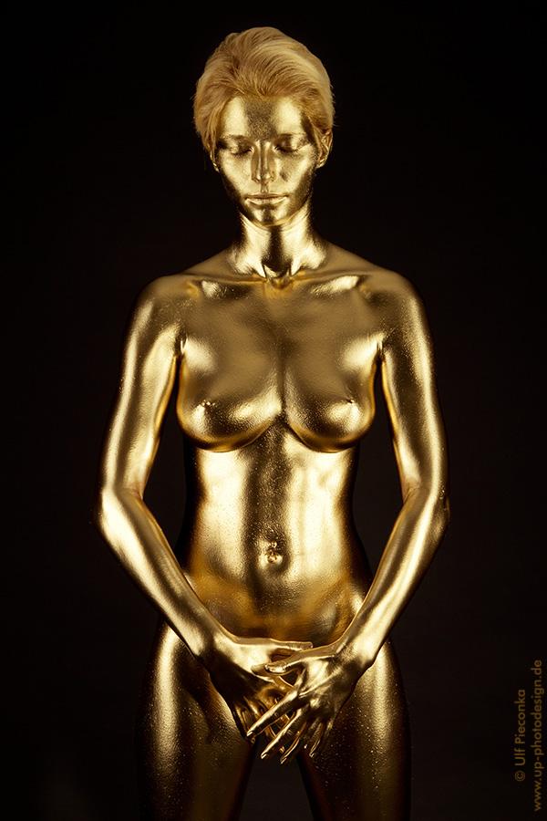 Goldfinger - Bodypainting Fotoshooting