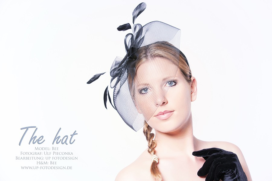 The hat - Model Bee im Fotostudio