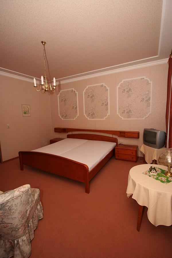 location 3 f r hotelfotoshooting verlassen raum w rzburg fulda. Black Bedroom Furniture Sets. Home Design Ideas