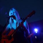 Coby Grant in Rimpar - blue light on stage - Fotograf Ulf Pieconka 3