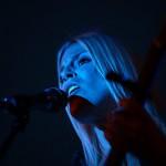 Coby Grant in Rimpar - blue light on stage - Fotograf Ulf Pieconka
