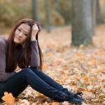 Model mit Herbstlaub - Würzburg - Fotoshooting