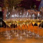 Weingläser im Winzerkeller