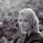 Portrait-Fotoshooting - Starkes Gegenlicht - Rollei RPX 400-Pentacon Six TL 180 mm