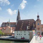 Regensburg von der Brücke aus Blick auf den Stadtkern